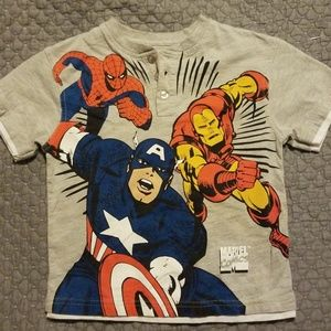 Marvel Avengers Boys Size 6 T-Shirt